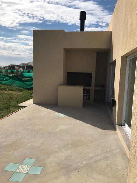 Foto Casa en Alquiler en  La Horqueta de Echeverría,  Countries/B.Cerrado (E. Echeverría)  Juana de Arco 6100 La Horqueta de Echeverria