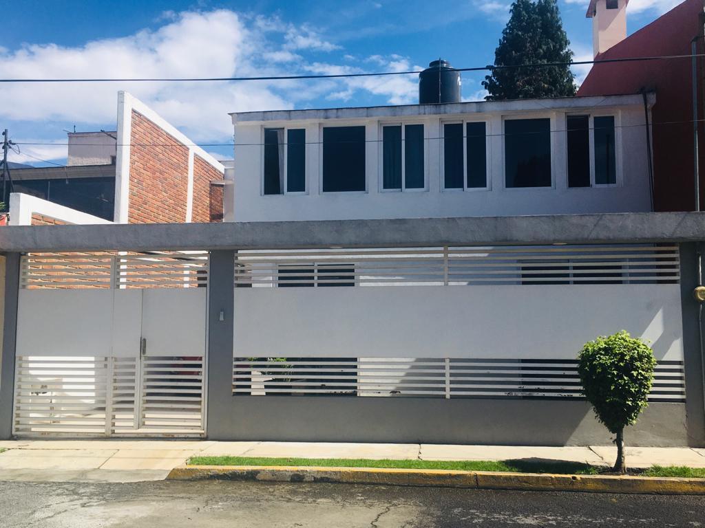 Foto Casa en Venta en  Plazas de San Buenaventura,  Toluca          San Antonio 107