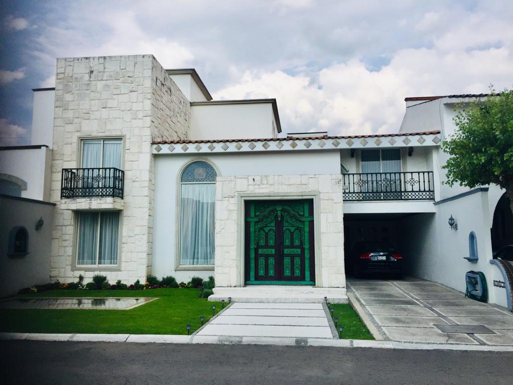 Foto Casa en condominio en Venta en  Balmoral,  Metepec  Balmoral