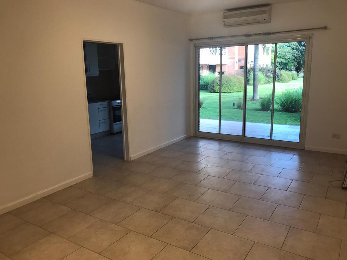 Foto Departamento en Alquiler en  Pilar ,  G.B.A. Zona Norte  Santa Rosa 1400