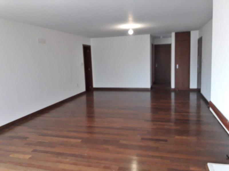Foto Departamento en Venta en  Carrasco ,  Montevideo          Apartamento en Carrasco, parrillero, piscina, sauna, gym