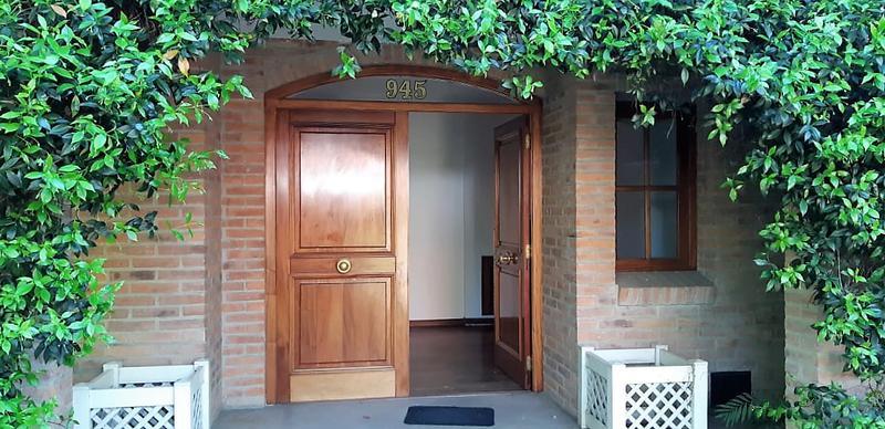 Foto Casa en Venta en  Las Lomas-Horqueta,  Las Lomas de San Isidro  Mansilla al 900