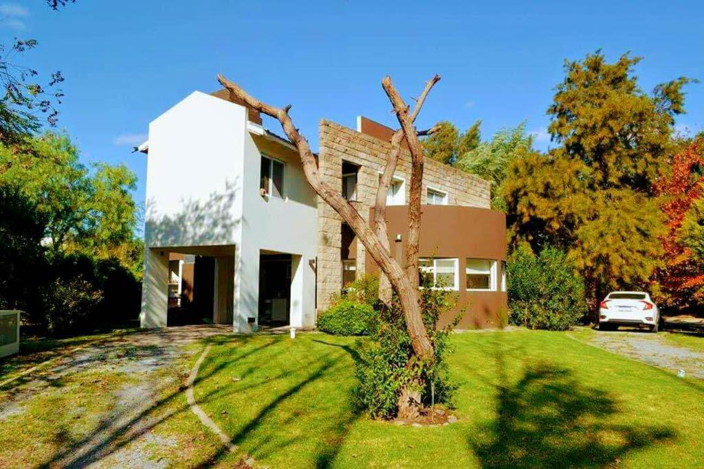 Foto Casa en Venta en  El Lauquen,  Countries/B.Cerrado  El Lauquen
