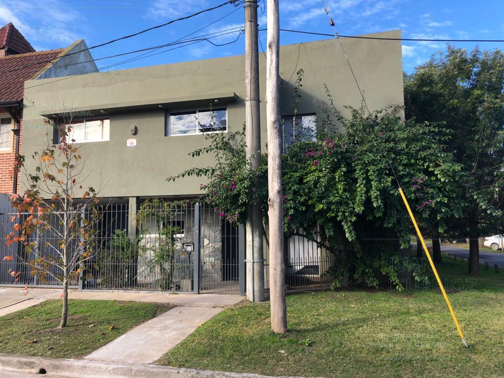 Foto Casa en Venta en  Manuel B Gonnet,  La Plata  19 y 494