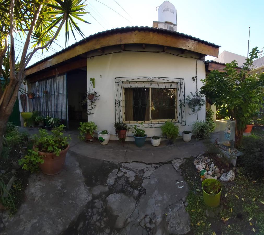 Foto Casa en Venta en  Los Polvorines,  Malvinas Argentinas  Lourdes al 4000