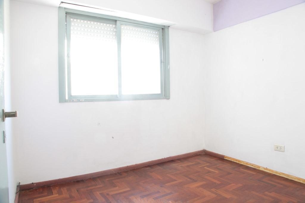 Foto Departamento en Venta en  Flores ,  Capital Federal  Morón al 2900