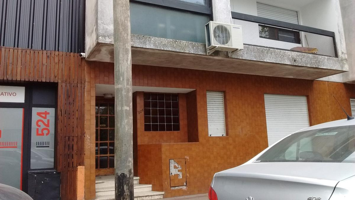 Foto PH en Venta en  La Plata ,  G.B.A. Zona Sur  10 e 42 y 43  La Plata
