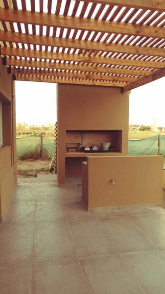 Foto Casa en Venta en  El Canton - Islas,  Countries/B.Cerrado (Escobar)  El Cantón