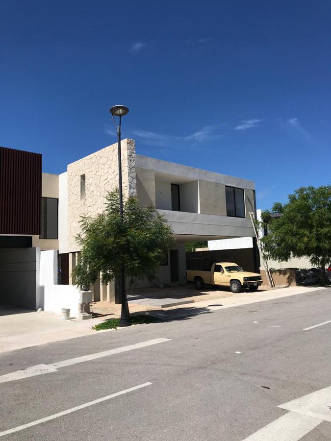 Foto Casa en Venta en  Temozon Norte,  Mérida  Casa en Privada Residencial Solasta