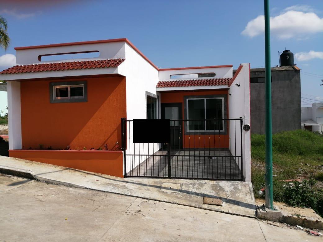 Foto Casa en Venta en  Campo Viejo,  Coatepec  ESTRENA BONITA CASA DE UN NIVEL EN CAMPO VIEJO, COATEPEC, VER.