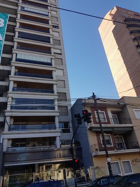Foto Departamento en Venta en  Lomas de Zamora Oeste,  Lomas De Zamora  Meeks 454 piso 11 Lomas de zamora