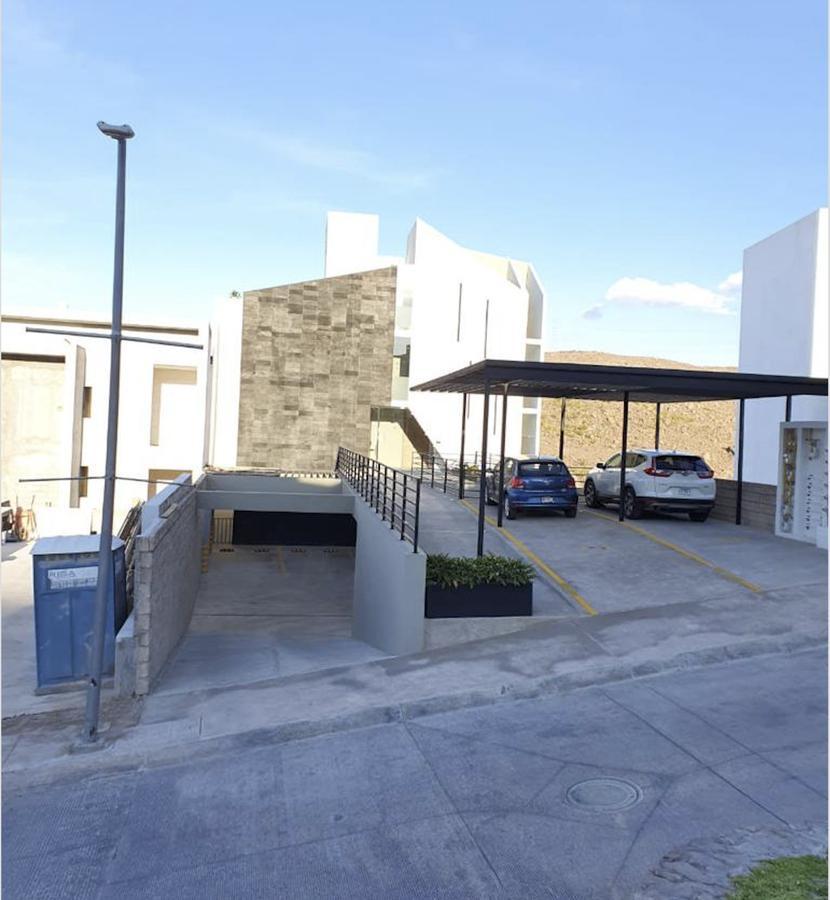 Foto Departamento en Renta en  San Luis Potosí ,  San luis Potosí  MODERNO DEPARTAMENTO AMUEBLADO EN RENTA EN LOMAS DEL PEDREGAL, SAN LUIS POTOSI