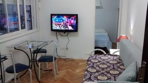 Foto Departamento en Alquiler temporario en  Centro (Capital Federal) ,  Capital Federal  Suipacha ** 300 8vo. Piso. Dos amb. Sup. 40m2.