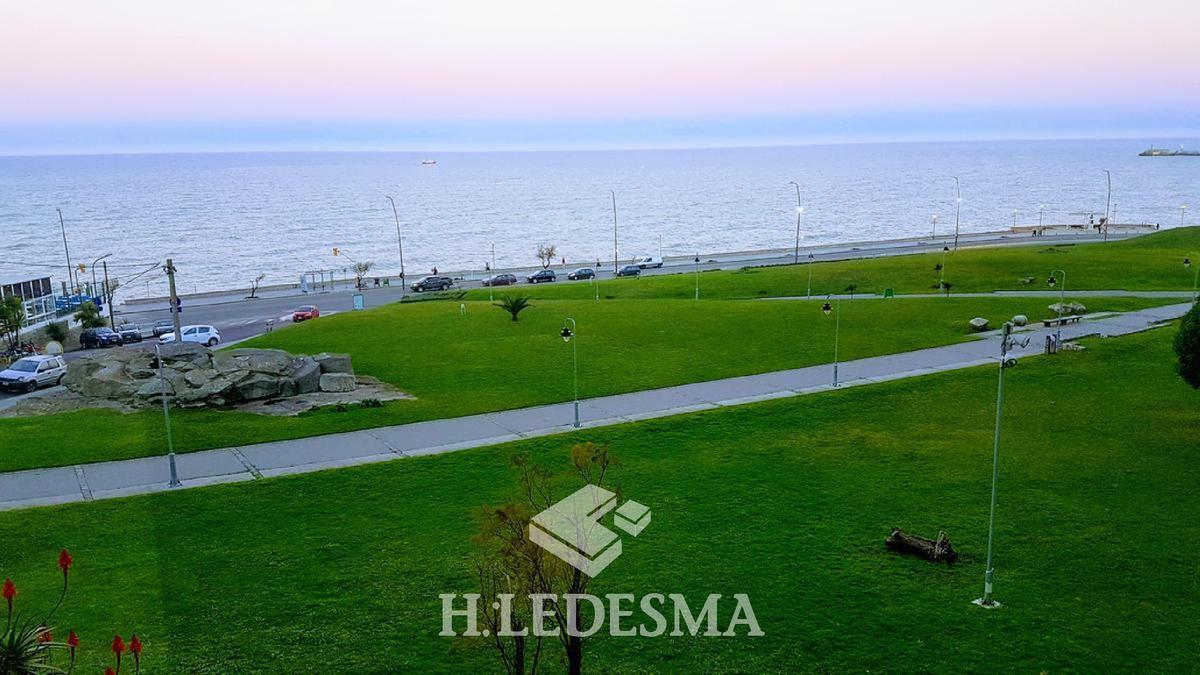Foto Departamento en Venta en  Playa Grande,  Mar Del Plata  CASTELLI 24 • FRENTE AL MAR