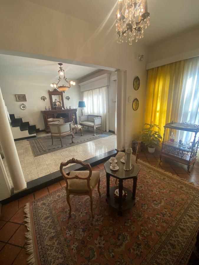 Foto Casa en Venta en  Lourdes,  Rosario  MONTEVIDEO 3085- CASI ESQUINA AV. FRANCIA-2 DORMITORIOS