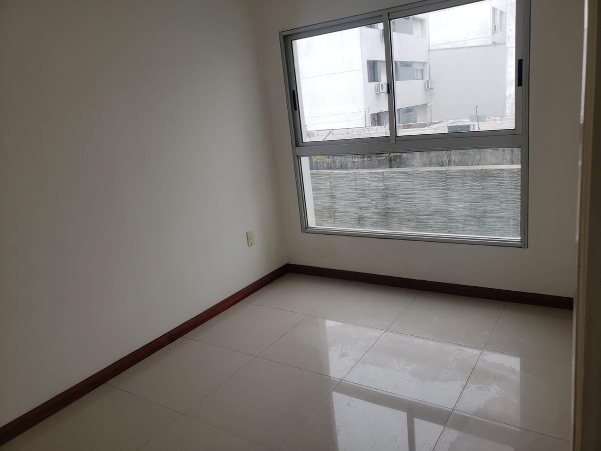 Foto Apartamento en Alquiler en  Pocitos Nuevo ,  Montevideo  Avda. Luis A. de Herrera y Laguna