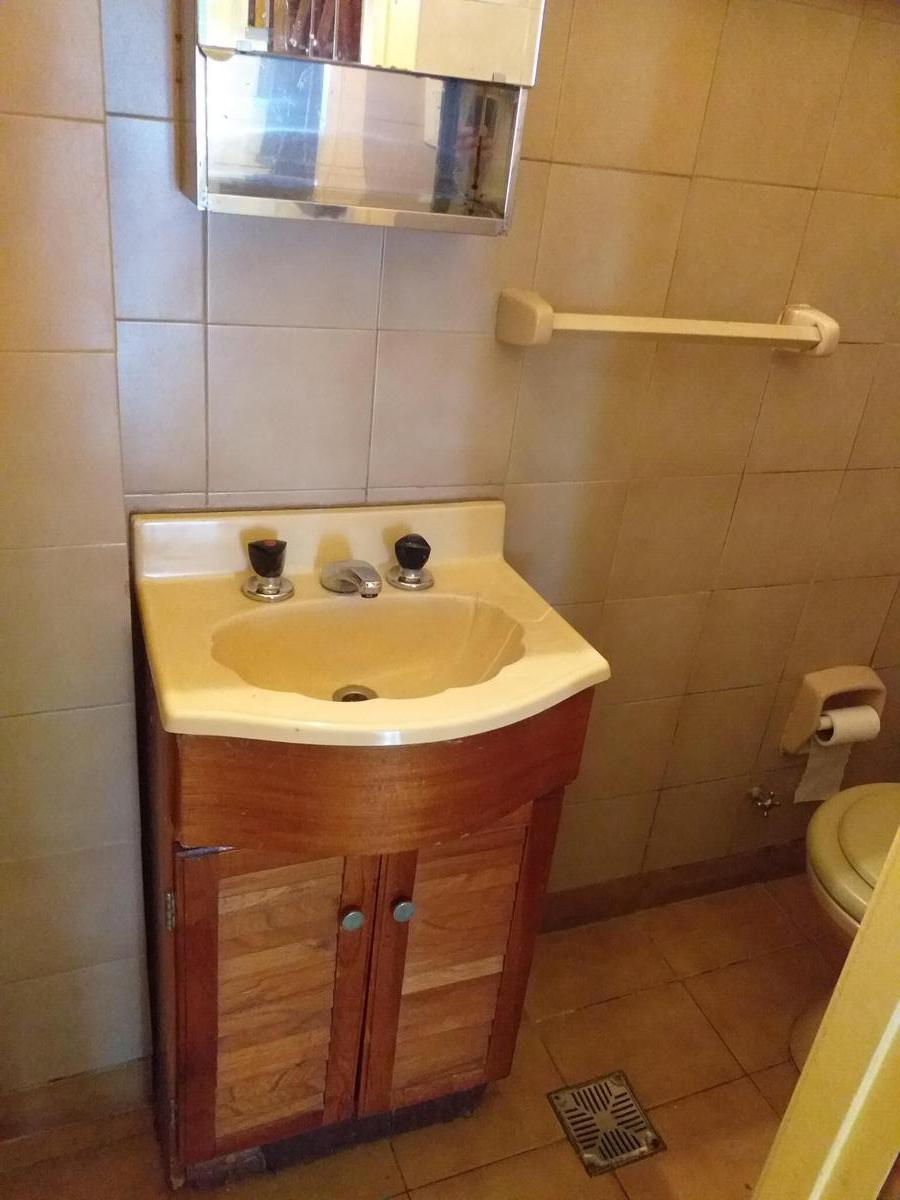 Foto Casa en Alquiler en  Villa Luzuriaga,  La Matanza  Cuba al 400
