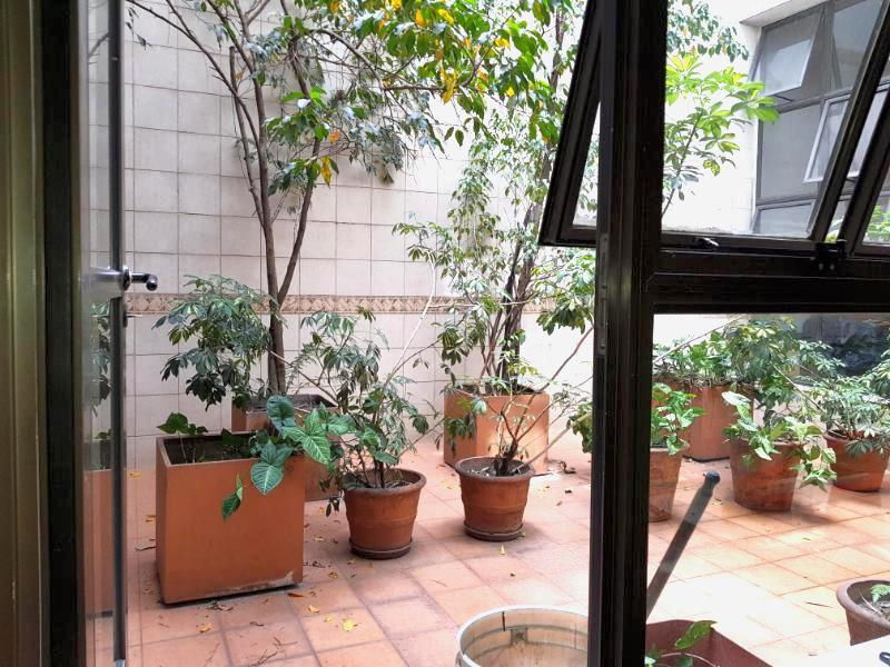 Foto Local en Venta | Alquiler en  San Telmo ,  Capital Federal  ESTADOS UNIDOS al 300