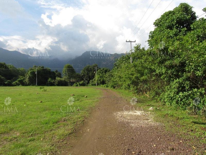 Foto Terreno en Venta en  Tepoztlán Centro,  Tepoztlán  VENTA TERRENO CON ESCRITURA EN TEPOZTLAN - T10