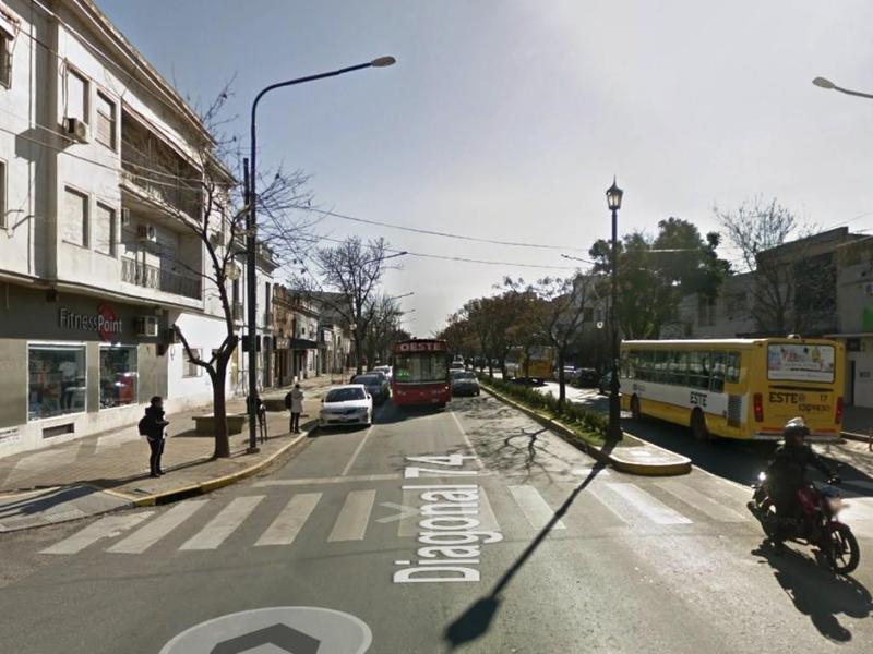 Foto Terreno en Venta en  La Plata,  La Plata  6 y 43