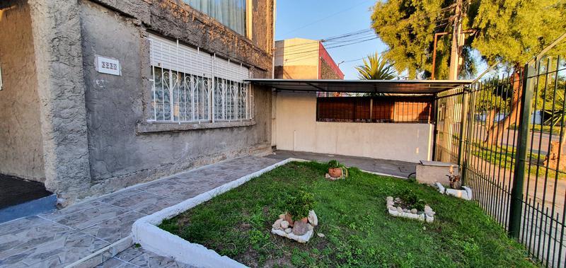 Foto Casa en Alquiler en  Las Acacias ,  Montevideo  Andalucía y Luis Galvani