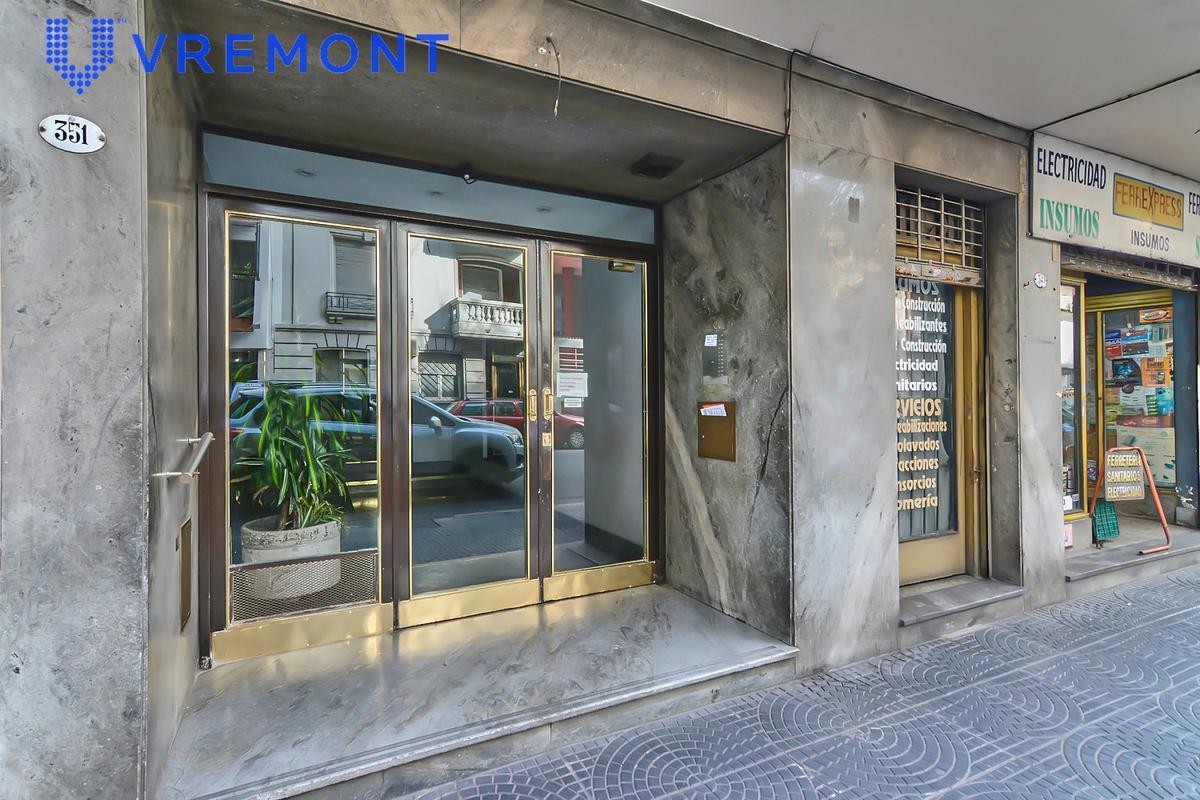 Foto Departamento en Venta en  Balvanera ,  Capital Federal  Alberti 300