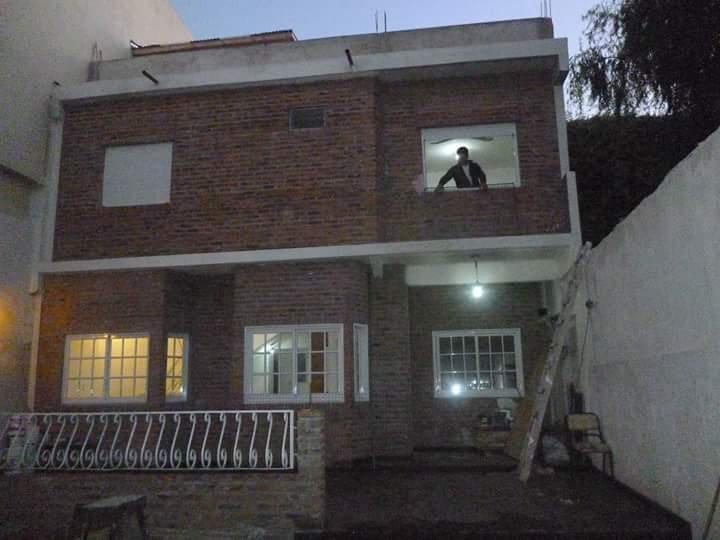 Foto Casa en Venta en  Valentin Alsina,  Lanus  ALFREDO PALACIOS 1700