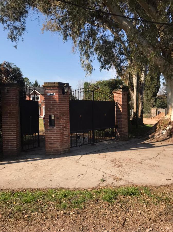 Foto Casa en Venta en  Villa Elisa,  La Plata  413 ESQUINA 25