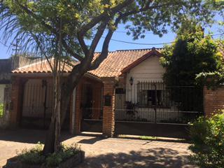 Foto Casa en Venta en  Ituzaingó ,  G.B.A. Zona Oeste  Medina al 300