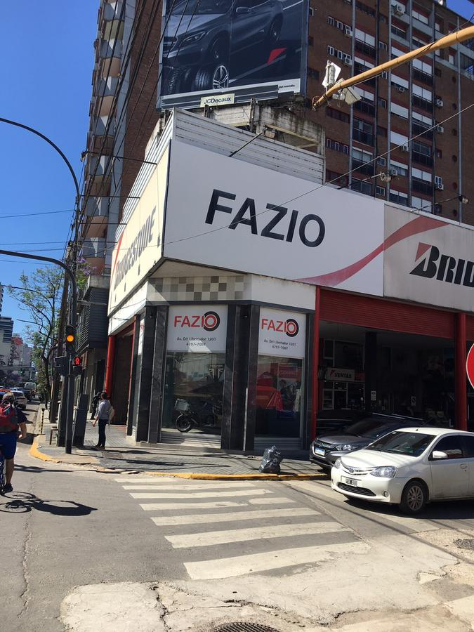 Foto Local en Alquiler en  Barrio Vicente López,  Vicente López  Avenida del Libertador al 1200