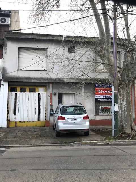 Foto Galpón en Venta en  Lomas de Zamora Oeste,  Lomas De Zamora  COLOMBRES  655