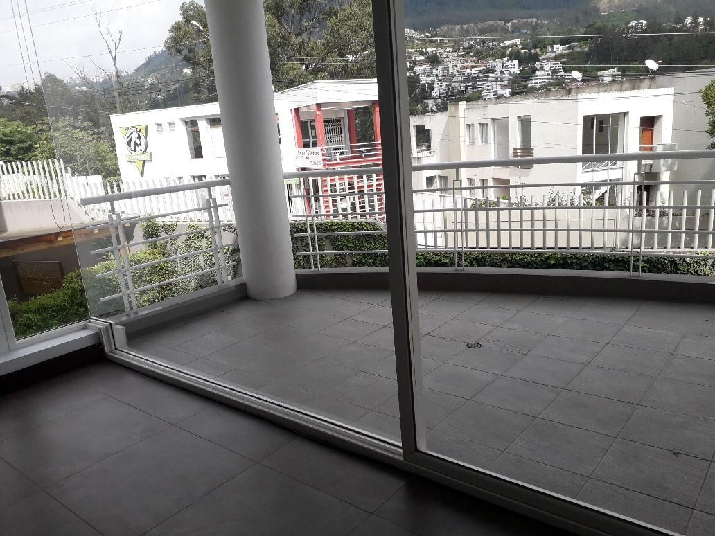 Foto Departamento en Alquiler en  Cumbayá,  Quito  Cumbaya, Renta lindo departamento cerca USFQ