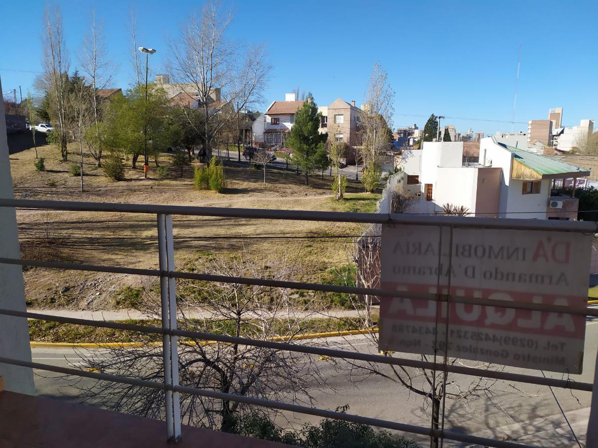 Foto Departamento en Alquiler en  Capital ,  Neuquen  palacios al 600