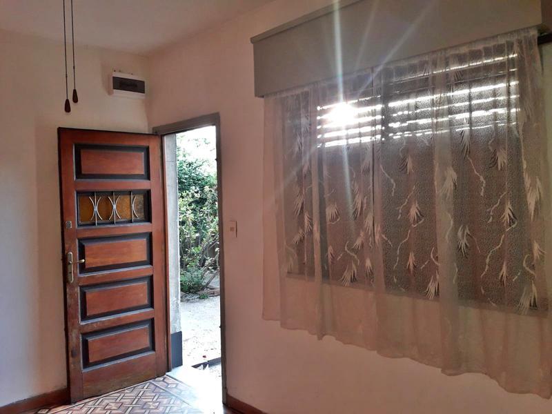 Foto Casa en Alquiler en  Brazo Oriental ,  Montevideo          Antel Arena,  Casa alquiler 1 dormitorio, preciosa       con jardín