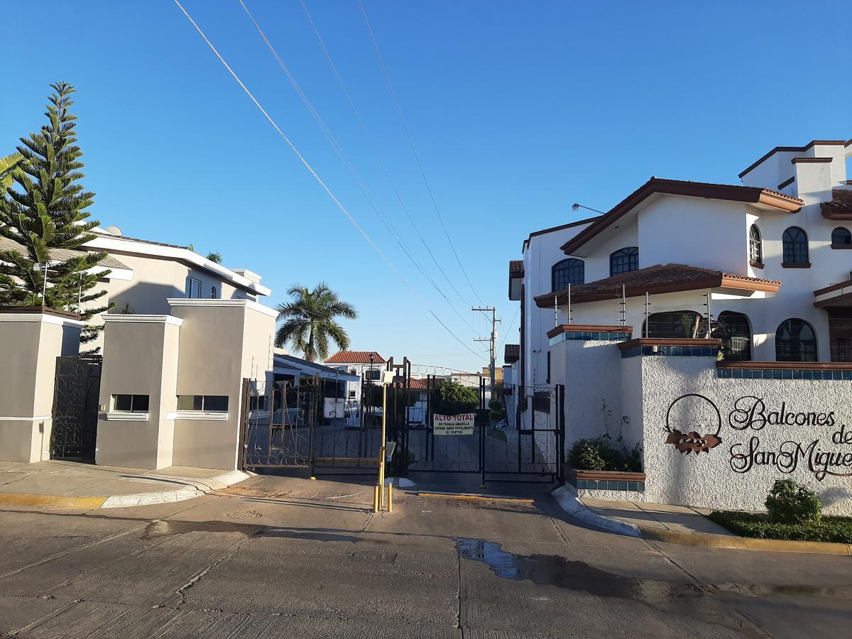 Foto Casa en Venta en  Fraccionamiento Balcones de San Miguel,  Culiacán  CASA EN VENTA EN CULIACAN, CON EXCEDENTE DE TERRENO