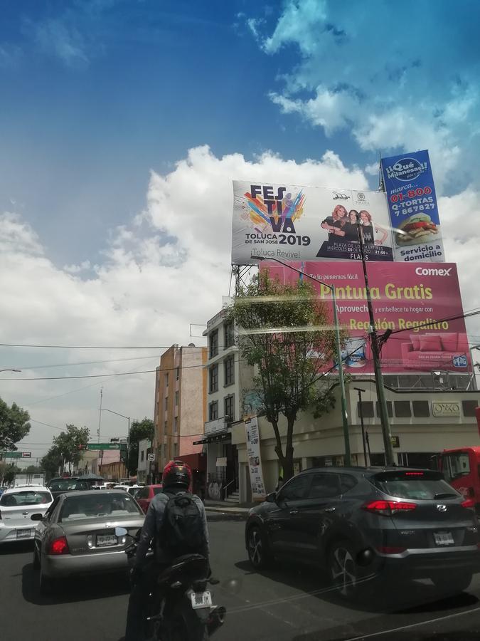 Foto Local en Renta en  Santa Clara,  Toluca  Cartelera en Calle José María Morelos Esquina 5 de Mayo Toluca México.