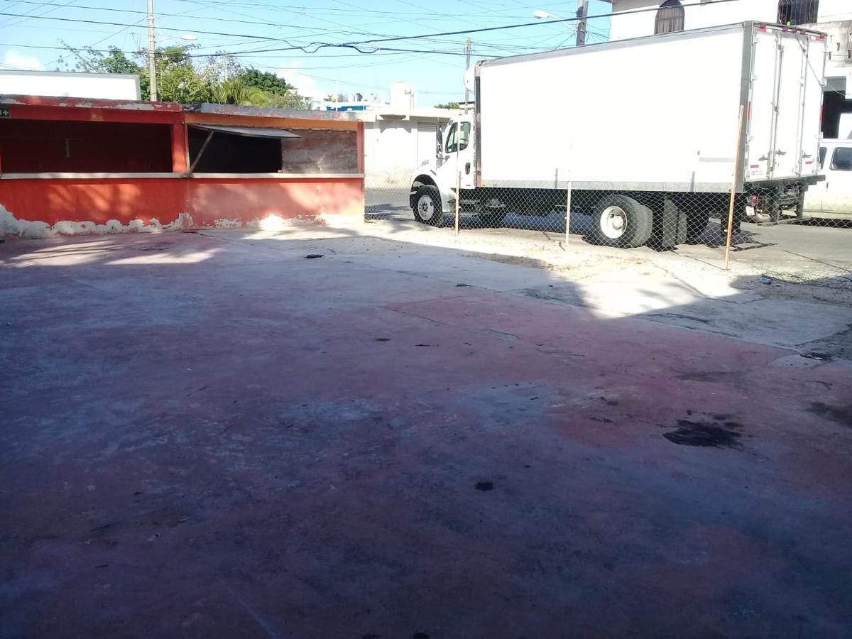 Foto Terreno en Venta en  Solidaridad,  Playa del Carmen  Terreno calle 100