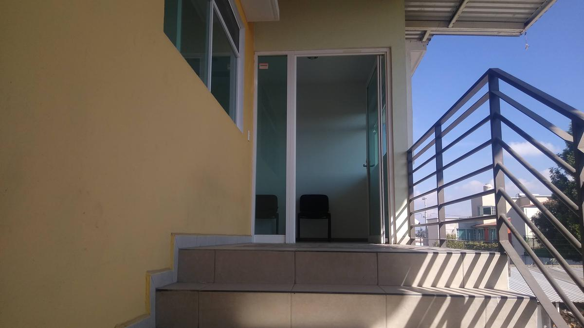 Foto Oficina en Venta en  Llano Grande,  Metepec  Venta de Edificio de 10 Oficinas y 2  Locales en Metepec, Zona Tecnológico