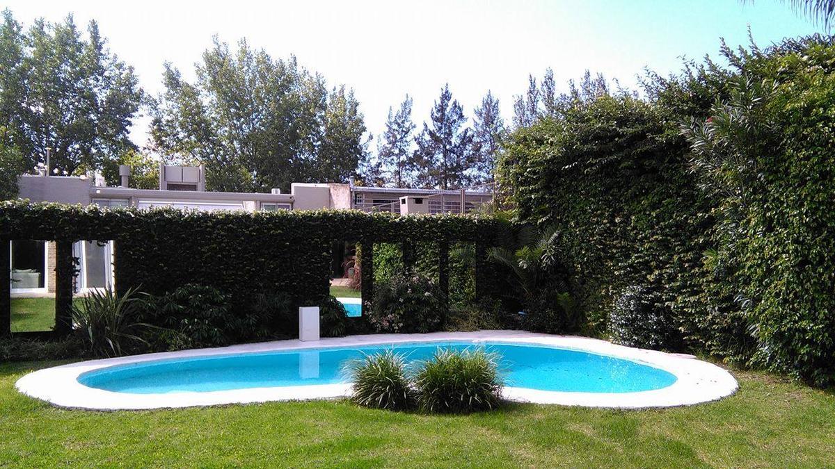 Foto Casa en Alquiler temporario en  Victoria,  San Fernando  Miguens al 2400