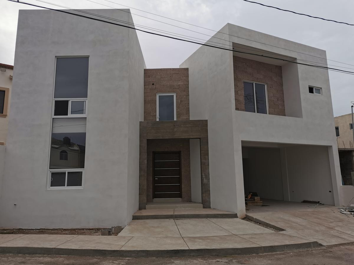 Foto Casa en Renta en  Chihuahua ,  Chihuahua  LOMAS UNIVERSIDAD, FRACC. PRIVADO. ESTRENE , TOTALMENTE EQUIPADA