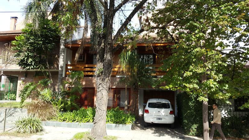 Foto Casa en Venta en  Adrogue,  Almirante Brown  GENERAL ROCA 472 Entre Amenedo y Canale