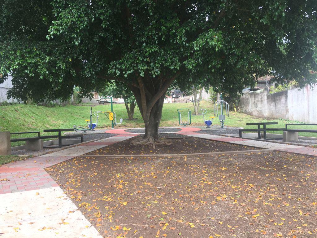 Foto Departamento en Renta en  Pozos,  Santa Ana  Santa Ana / Pet Friendly / 2 habitaciones / 2 parqueos/ Vista