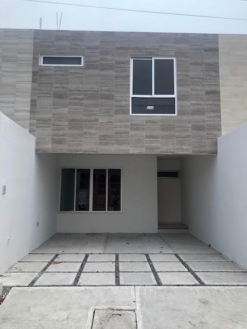Foto Casa en Venta en  Fernando Gutiérrez Barrios,  Boca del Río  COL. GUTIERREZ BARRIOS, Casa en PRE- VENTA , de 3 recámaras