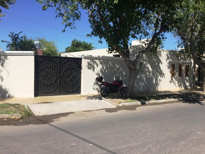Foto Casa en Venta en  Desamparados,  Capital  Juan Manso y Roger Ballet