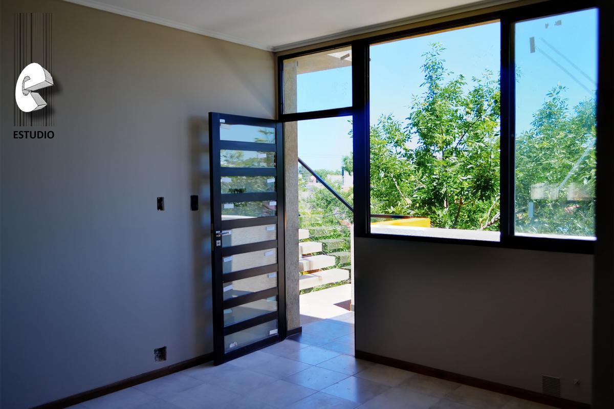 Foto Departamento en Alquiler en  7 jefes,  Santa Fe  Dos dormitorios chico, muy luminoso con cocina, calefactor y placares más terraza común