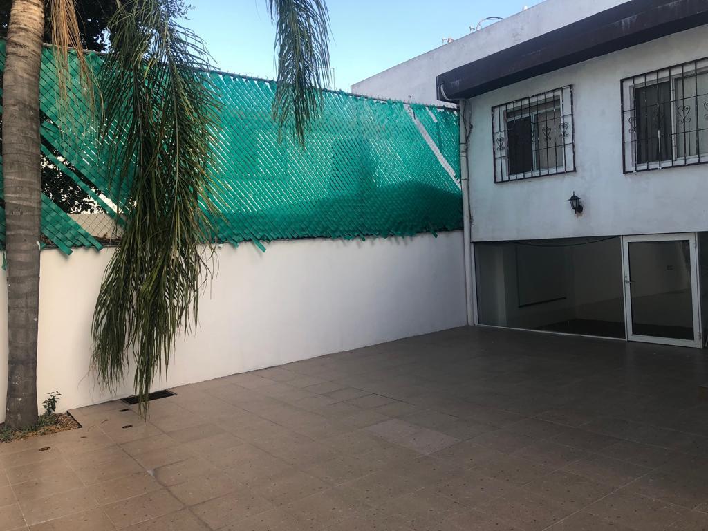 Foto Casa en Venta en  Las Torres,  Monterrey   Col. Las Torres