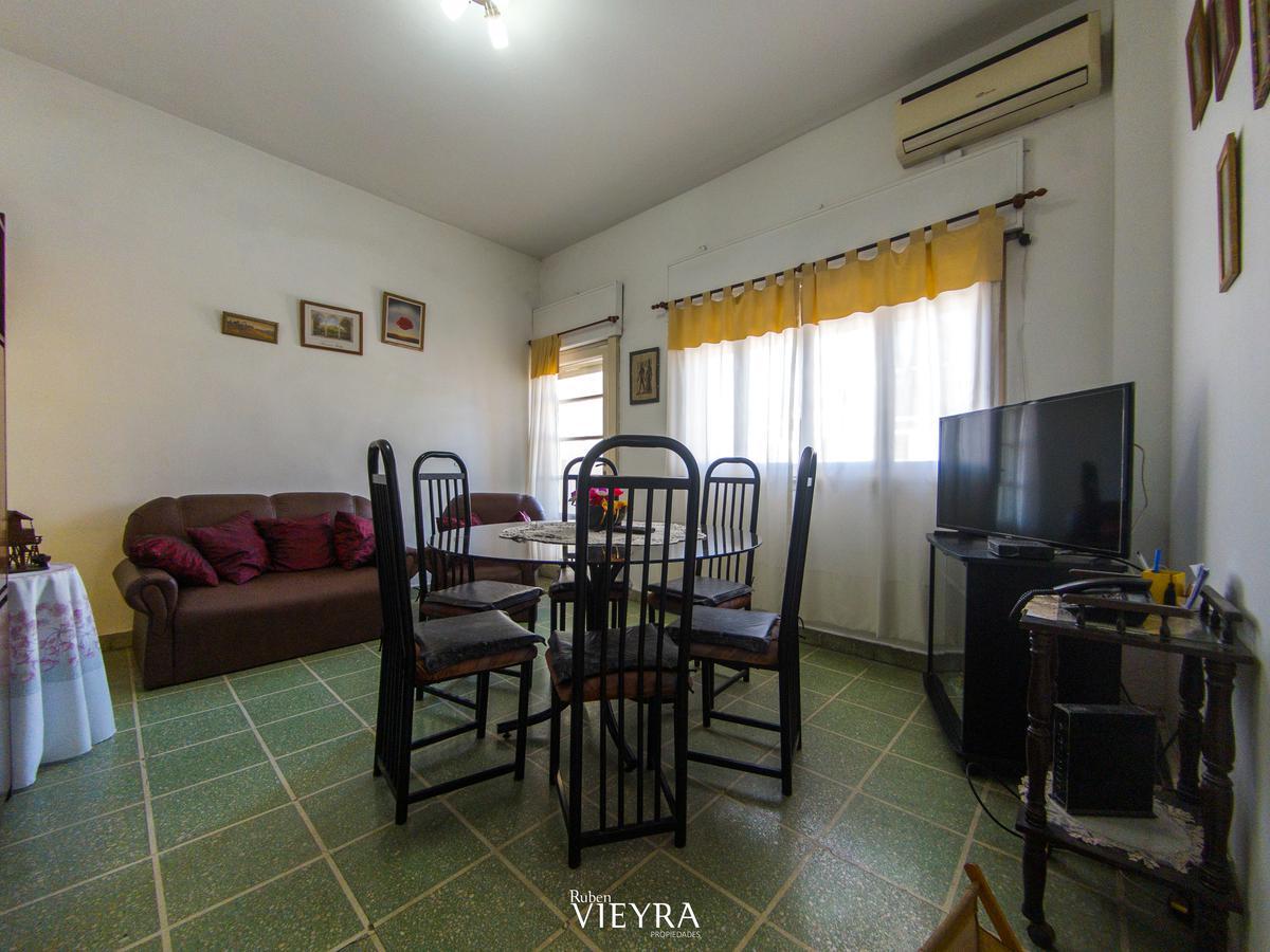Foto PH en Venta en  Monte Castro,  Floresta  Santo Tome al 5500
