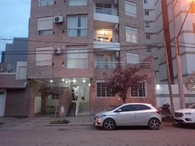 Foto Oficina en Alquiler en  Capital ,  Neuquen  H RODRIGUEZ al 800