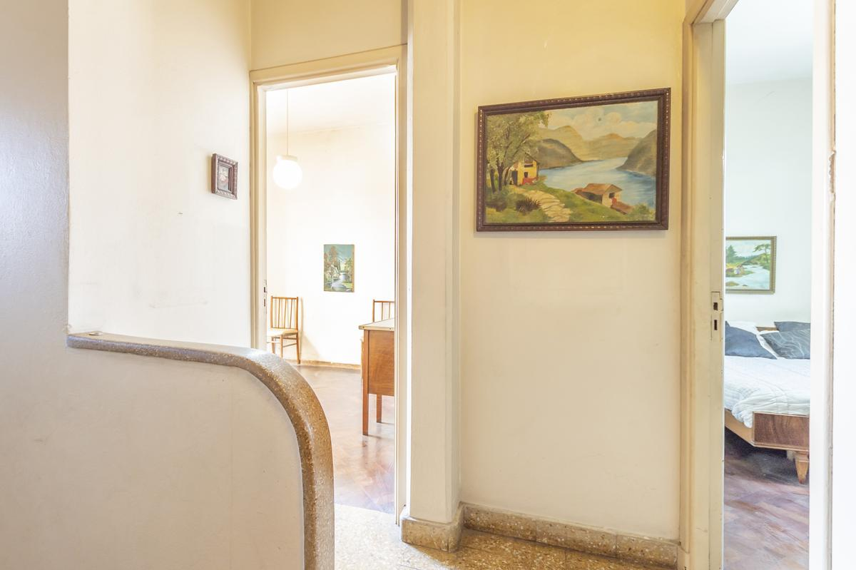 Foto Casa en Venta en  Valentin Alsina,  Lanús  IGNACIO CORTINA al 1800