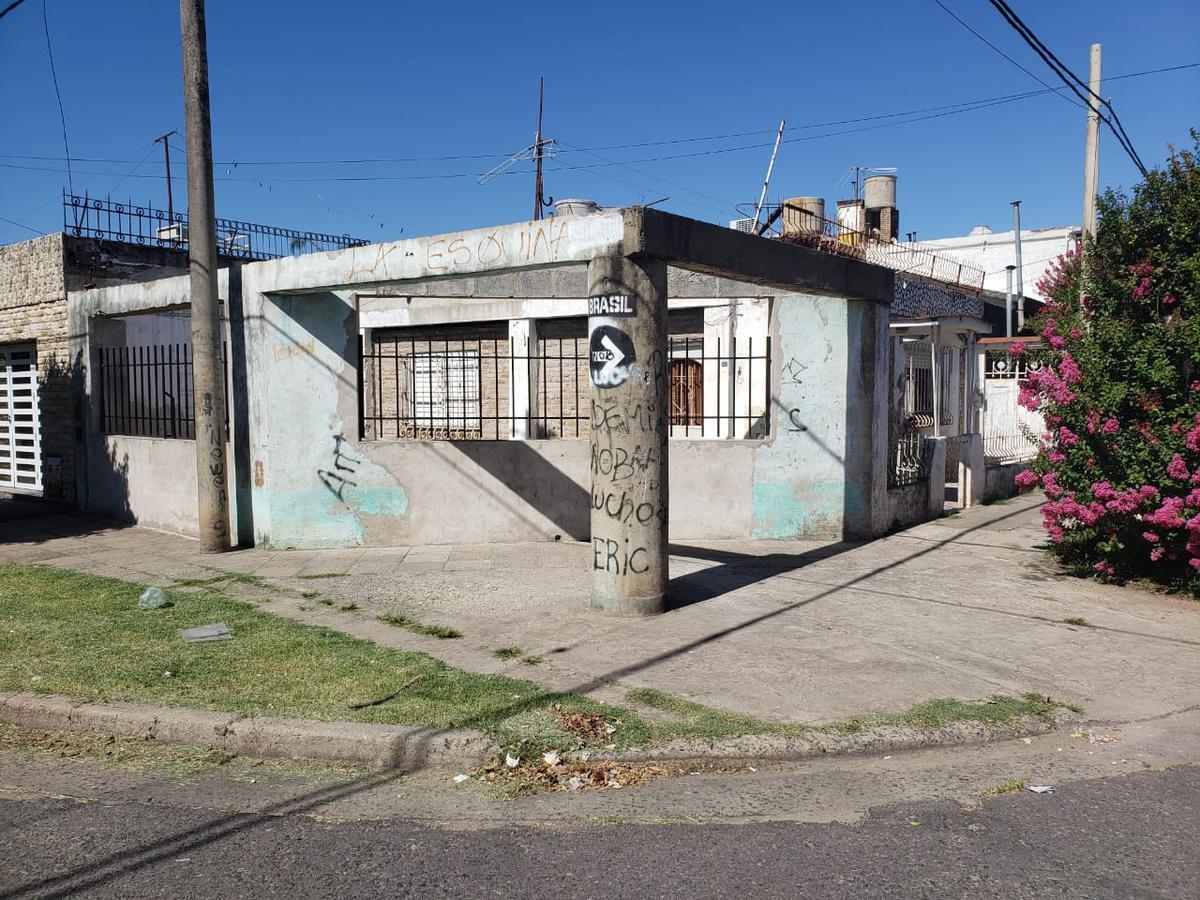 Foto Casa en Venta en  Belgrano,  Rosario  PEREZ BULNES al 7300